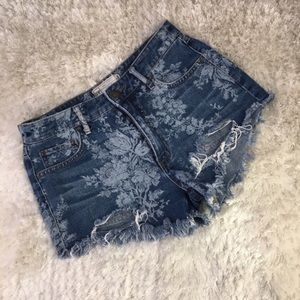 Free People Floral jean shorts distressed Sz 25